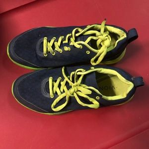 Vionic athletic shoes